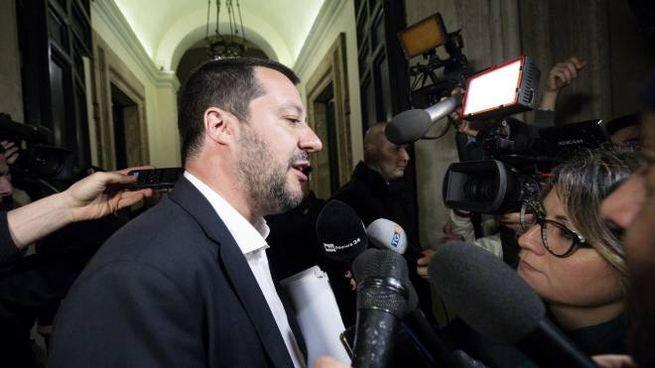 Il vice premier e ministro dell'Interno Matteo Salvini entra a Palazzo Chigi per il vertice sulla TAV, Roma, 6 marzo 2019. ANSA/MASSIMO PERCOSSI