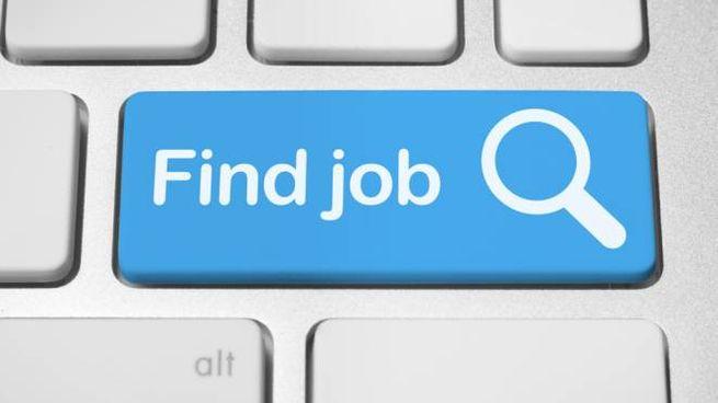 Le app e i social per chi sta cercando lavoro