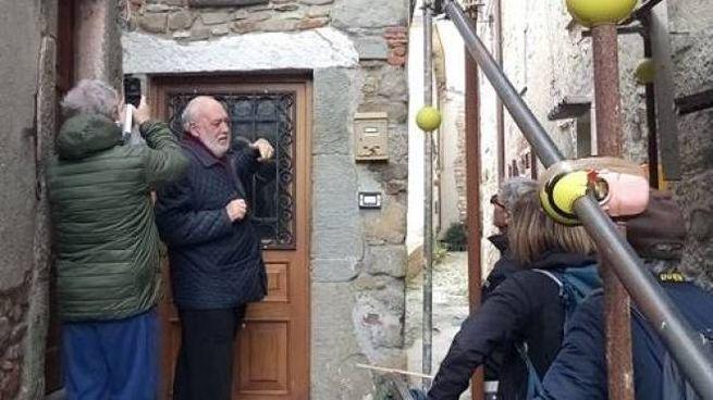 Lo storico dell'arte Sandro Donati illustra una maestà a Nicola
