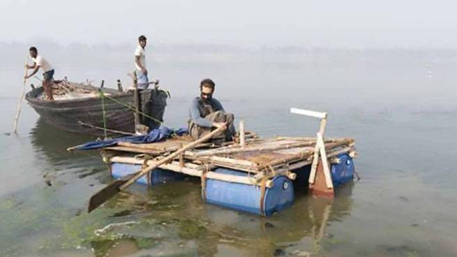 Alex Bellini sul Gange