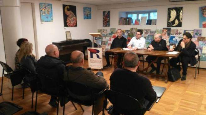 La riunione alla libreria Rinascita