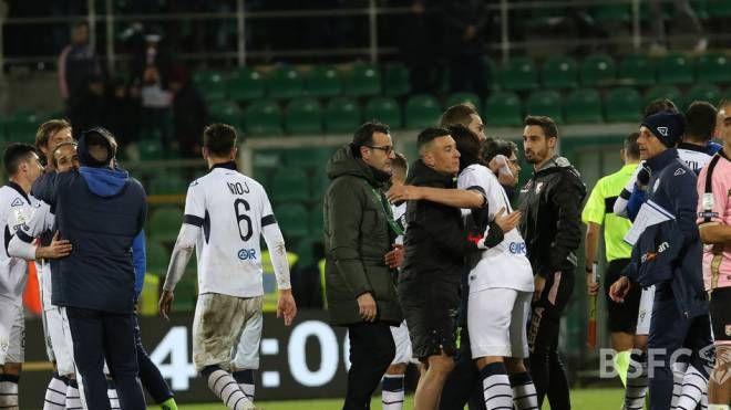 Ancora una gioia in pieno recupero per il Brescia che vince a Cosenza con una rete al 48'