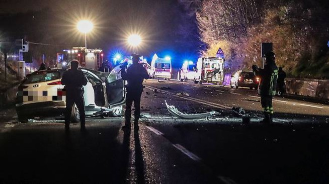 Incidente mortale sull'Adriatica: morti due giovani