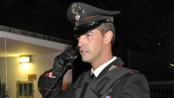 I carabinieri hanno bloccato il rapinatore