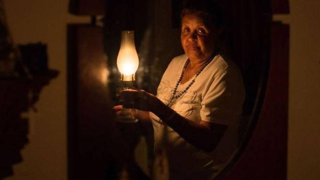 Venezuela, continua il blackout (Lapresse)