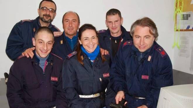 Raffaele Di Terlizzi insieme ad alcuni colleghi delle Volanti