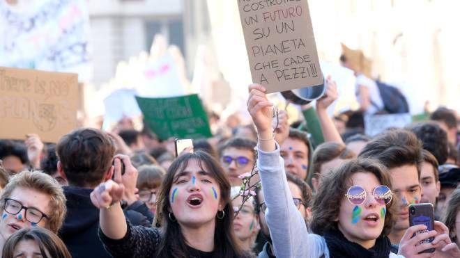 La manifestazione per il clima a Brescia