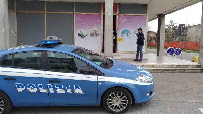 Blitz polizia nei centri massaggi