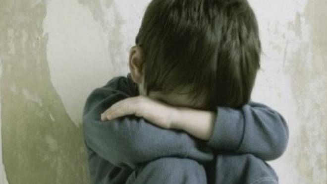 Violenza sui bambini (foto di repertorio)