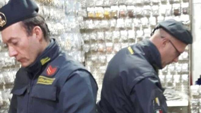 La Finanza ha sequestrato 650mila articoli di bigiotteria non conformi alle normative Cee