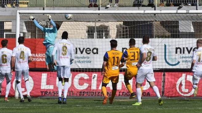 Il gol vittoria (Fonte ufficio stampa Olbia Calcio)