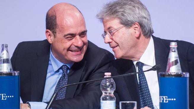 Nicola Zingaretti e Paolo Gentiloni, segretario e presidente Pd (Lapresse)