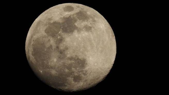 La superluna fotografata da Piero Giacomelli (Regalami un sorriso onlus)
