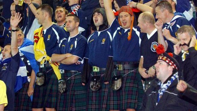 Tifosi scozzesi (Afp)