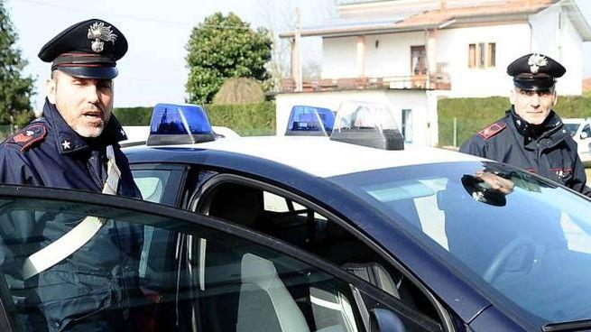 I carabinieri hanno perquisito la casa del quarantenne