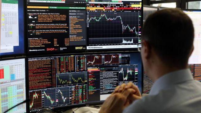 c39fdbde31 Borsa Italiana, Milano chiude in netto calo. Sale lo spread ...