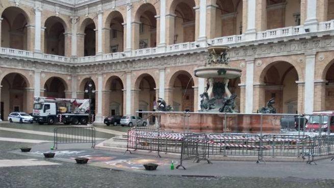 Loreto, piazza della Madonna pronta per la visita del Papa