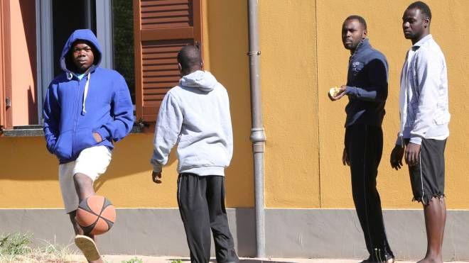 L'ex casa colonica di Macerone divenuta centro di accoglienza per migranti