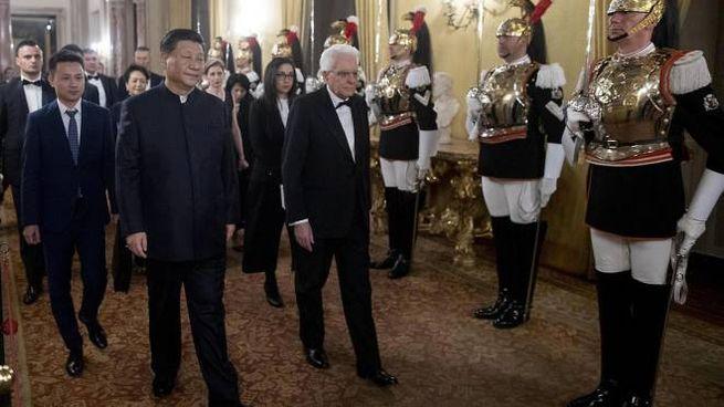 I presidenti Sergio Mattarella e Xi Jinping (Ansa)