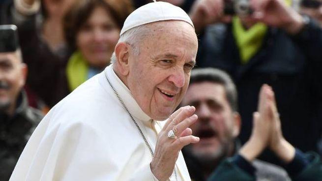 Papa Francesco in visita a Loreto il 25 marzo (Foto LaPresse)