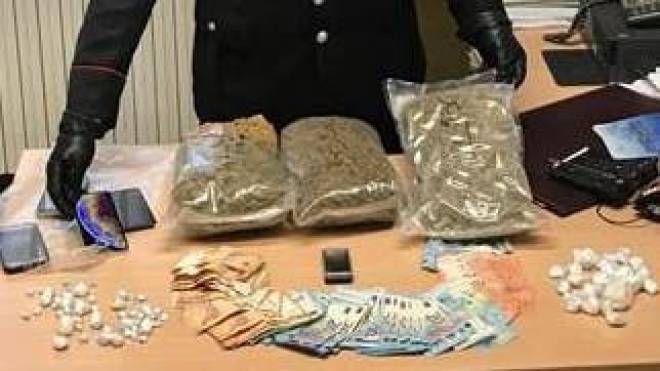 La droga è stata sequestrata dai carabinieri di Cattolica a tre albanesi che sono stati arrestati