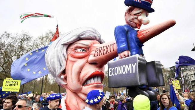 Brexit, a Londra migliaia contro l'uscita dalla Ue (Ansa)