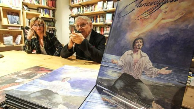 Milo Manara con il suo secondo volume su Caravaggio (New Press Photo)
