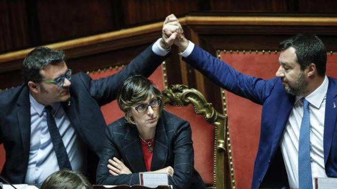 Legittima difesa, Centinaio, Bongiorno e Salvini in Senato (Ansa)