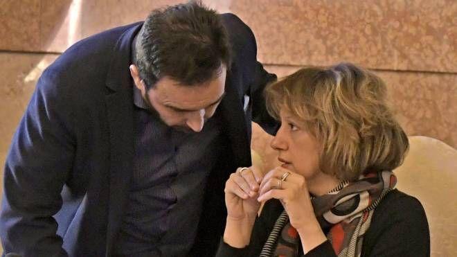 L'assessore al Bilancio Claudio Frati con la sindaca Manuela Sangiorgi