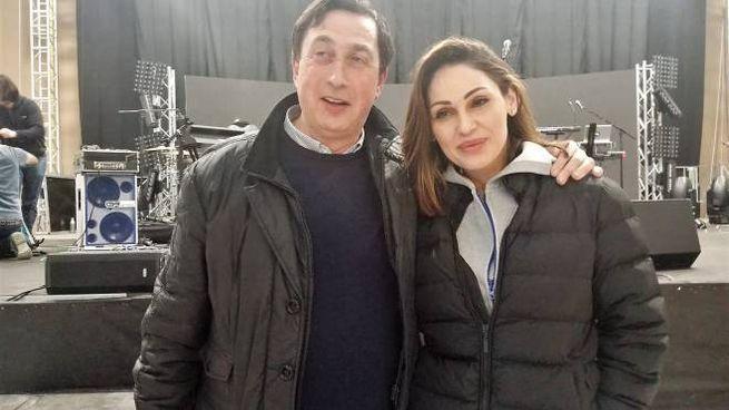 Anna Tatangelo con il sindaco, Renzo Marinelli
