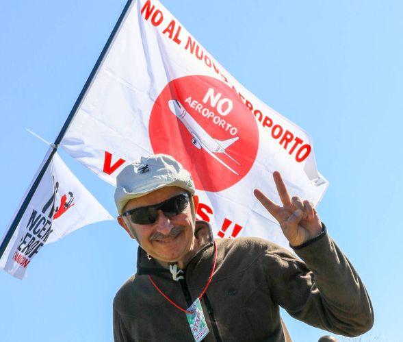Aeroporto, grande protesta della Piana contro la nuova pista / FOTO