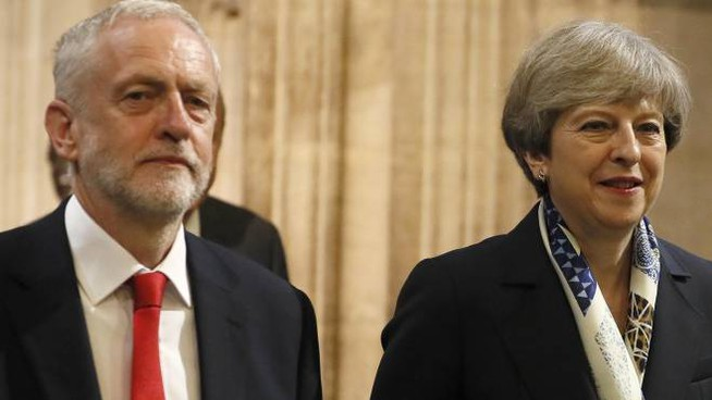 Jeremy Corbyn e Theresa May (Ansa)