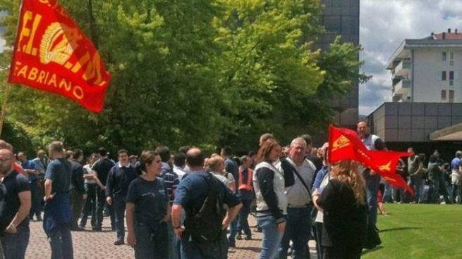 La manifestazione degli impiegati di Fabriano della Whirlpool