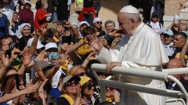 Papa Francesco in piazza della Madonna a Loreto (foto Antic)