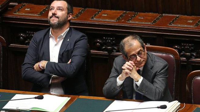 Matteo Salvini e Giovanni Tria (Imagoeconomica)