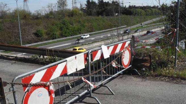 È pericoloso: chiuso un altro ponte sulla Milano-Meda ...