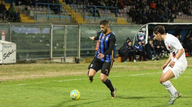 Il centrocampista del Pisa Luca Verna