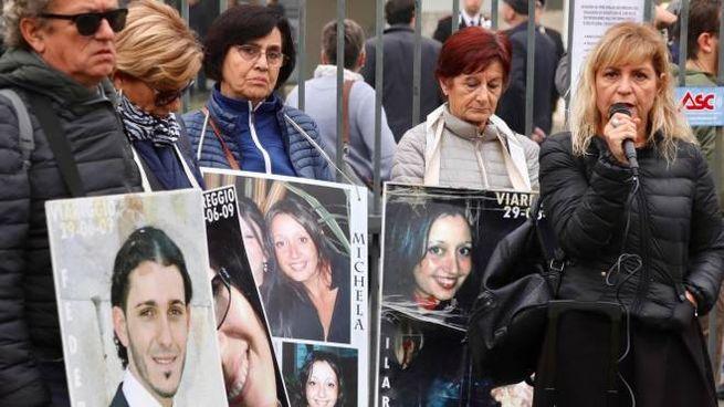 I familari delle vittime davanti alla Corte d'Appello
