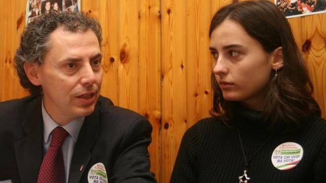 Maurizio Cevenini, comparso nel 2012, e Federica al bar 'Ciccio' (Schicchi)