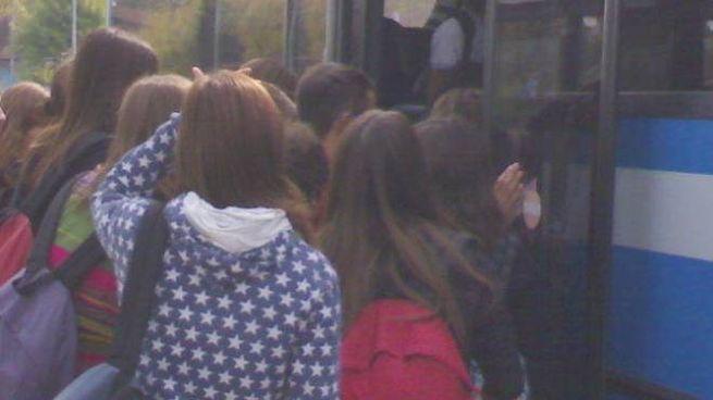 Un autobus pieno di studenti (foto repertorio)