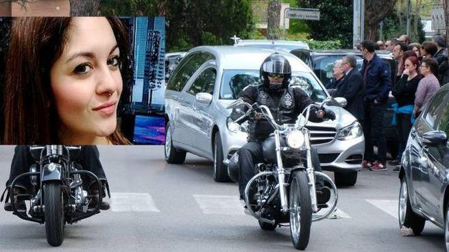 Il funerale di Alina Marchetti (nel riquadro la ragazza uccisa dall'auto)