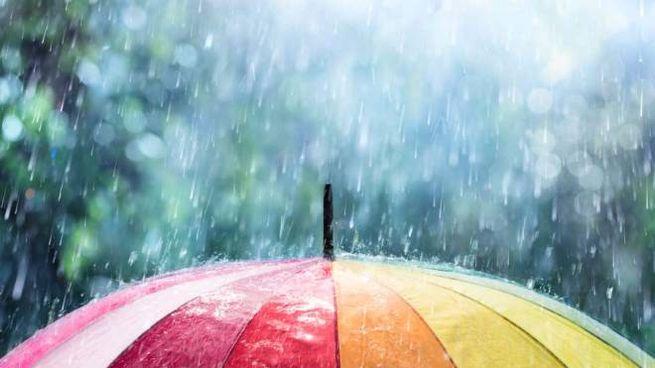 Previsioni meteo domenica 14 aprile, pioggia e instabilità dappertutto