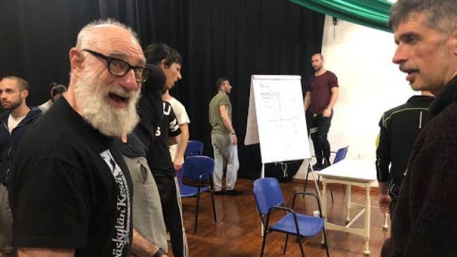 Avner Eisenberg durante un workshop al Teatro C'Art di Castelfiorentino