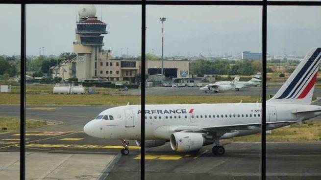 Un aereo AirFrance a Peretola (foto d'archivio New Press Photo)