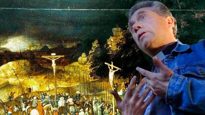 Il parroco don Alessandro Chiantaretto davanti alla Crocifissione di Bruegel il Giovane di cui è stata rubata la copia