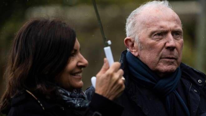François Pinault e il sindaco di Parigi Anne Hidalgo (LaPresse)