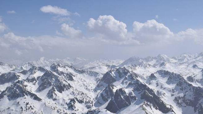 """Le microplastiche """"scalano"""" i Pirenei"""