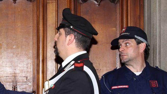 Una delle riunioni che si tennero in municipio fra i risparmiatori truffati e i dirigenti di Poste italiane per i rimborsi