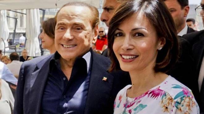 Silvio Berlusconi e Mara Carfagna (Ansa)