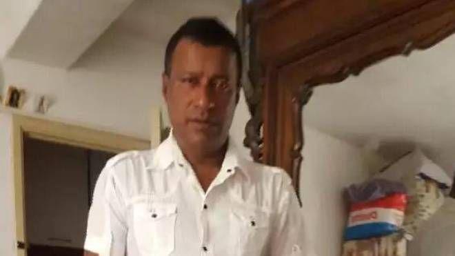 Il cinquantenne morto, Roshan Silva Kalukankanamalage